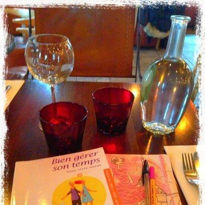 Déjeuner entre filles . . . dans MES BONHEURS QUOTIDIENS 319864_10151368033249271_2032463994_n